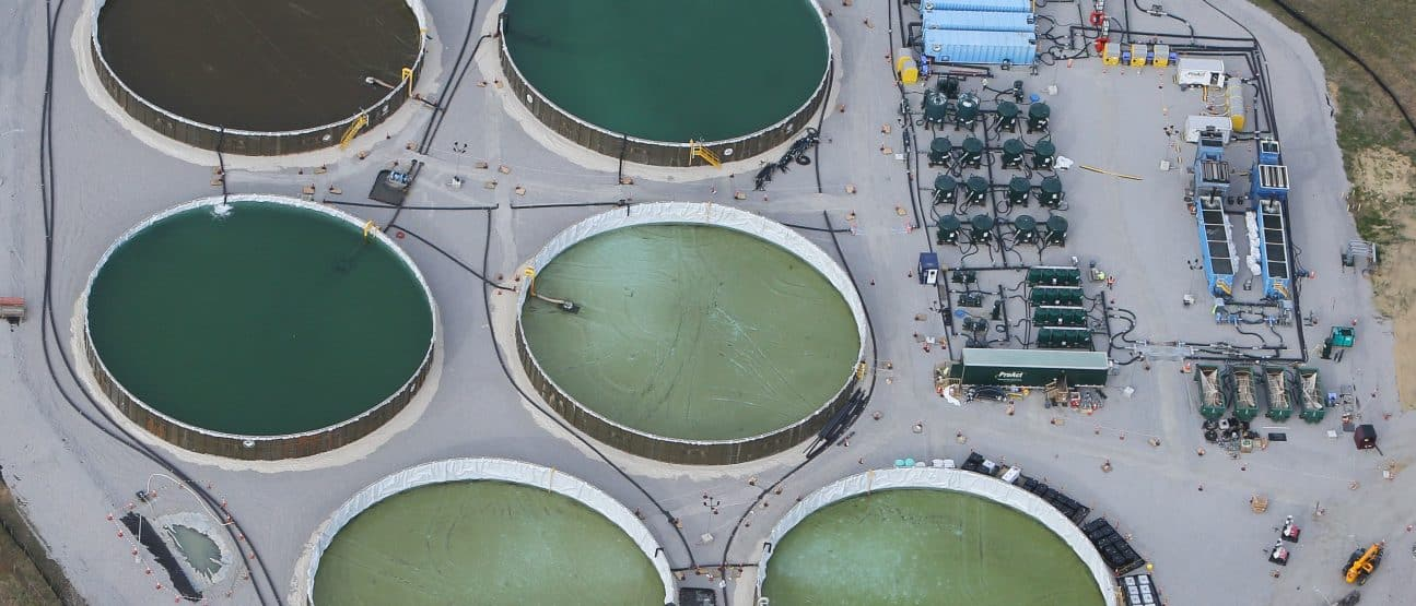Tank farm with pump, pipe system